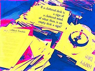 Denise Krebs/Cluttered desk: Cluttered mind/Flickr