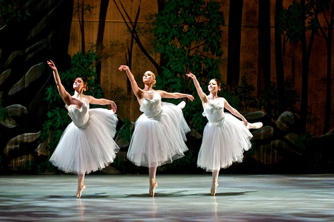 La Sylphide Ballet with Rebeca Brenner/Will Brenner-Columbus/flickr