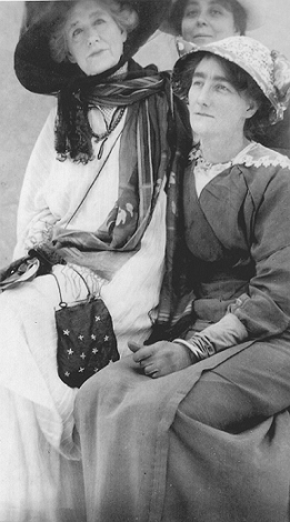Ellen Terry with Beatrice Blascheck/Damesnet