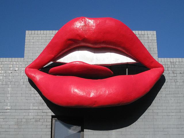 Newtown grafitti/red lips/Flickr