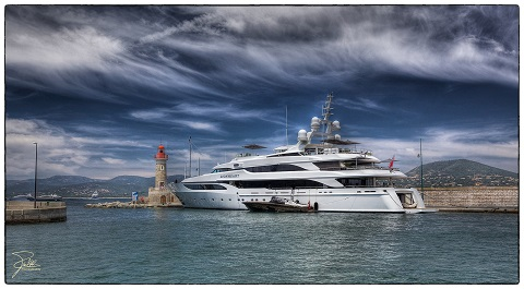 Lionheart (Sir Philip Green's second-best yacht)/Frank Kehren/flickr