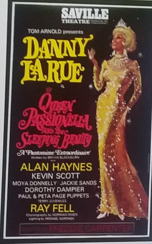 Poster advertising Danny La Rue/damesnet